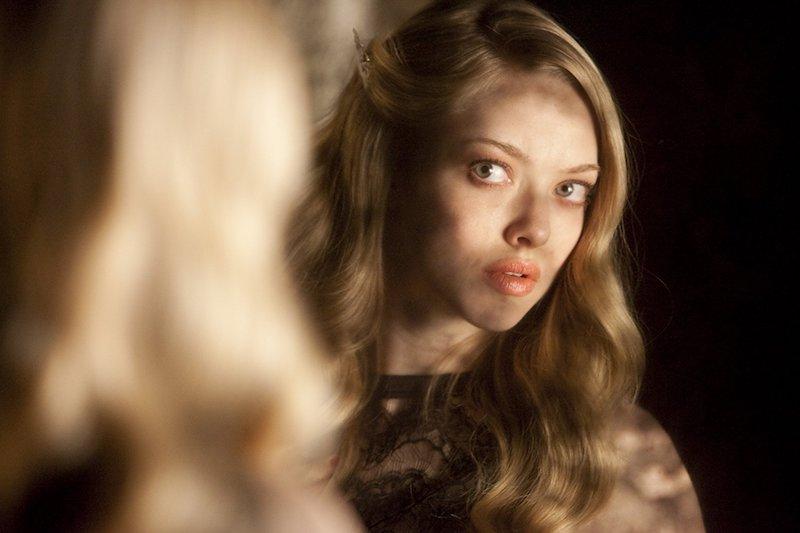 あの女優のパーフェクトボディーが見られるおすすめ映画「クロエ」